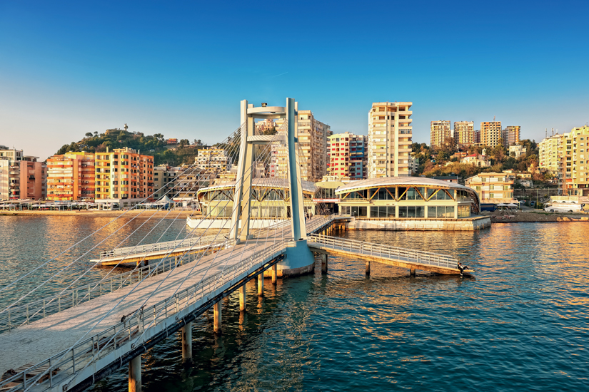 image Albanie durres statue pont 09 as_59169159