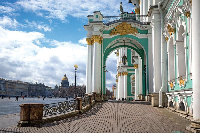 image Saint Petersbourg le Palace dHiver place du Palais  fo