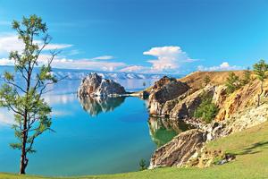 russie lac baikal cote rocheuse de l ile d olkhon et du rocher shamanka as_194418376